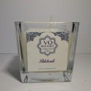 Bougie de massage 100% naturelle parfumée aux huiles essentielles de patchouli, envoûtant