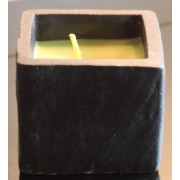Bougie couleur verte 1 mèche, parfumée, présentées dans un support ardoise 9x9x7 cm